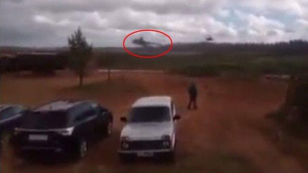 Un helicóptero ruso dispara por error contra el público