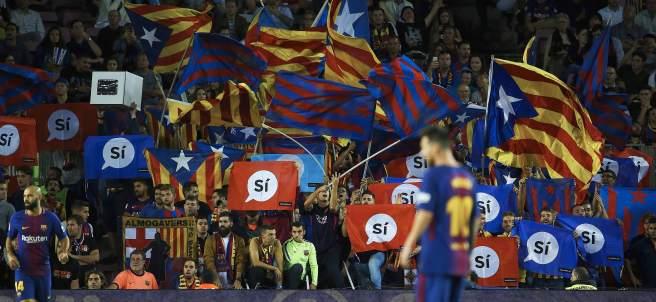 Pancarta en el Camp Nou a favor del 'Sí'