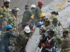Al menos 19 niños muertos al derrumbarse su escuela en México
