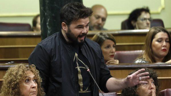 """Rufián, a Rajoy: """"Saque sus sucias manos de Cataluña"""""""