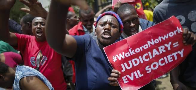 Kenia, Uhuru Kenyatta
