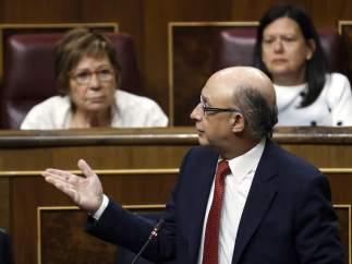 La Generalitat da por consumada la intervención de sus cuentas tras firmar Montoro la orden