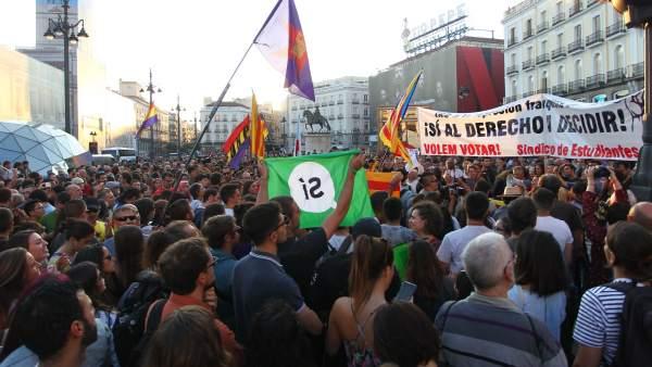 Manifestación en Sol a favor del derecho a decidir