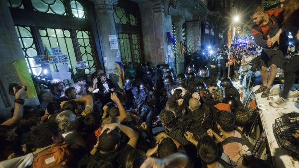 Noche de tensión en Barcelona