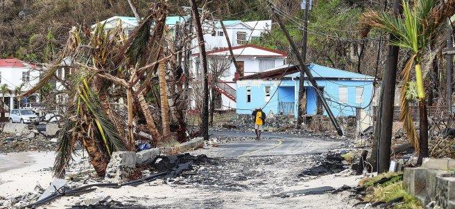Calle devastada por María