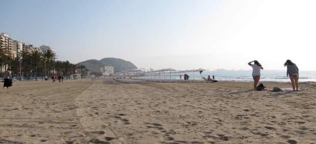 Playa De El Postiguet De Alicante
