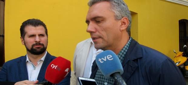 Javier Izquierdo, en su visita a Tudela de Duero.