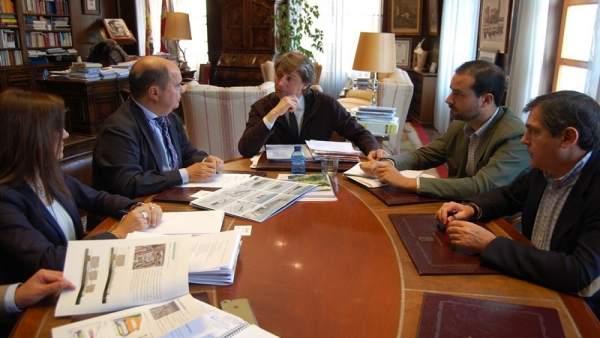 Soria: el alcalde y el director de Carreteras