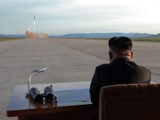 "Kim Jong-un, a Donald Trump: ""Domesticaré con fuego al viejo chocho estadounidense mentalmente desquiciado"""