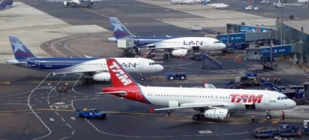 : Imagen Del Aeropuerto De Lima, En Perú,