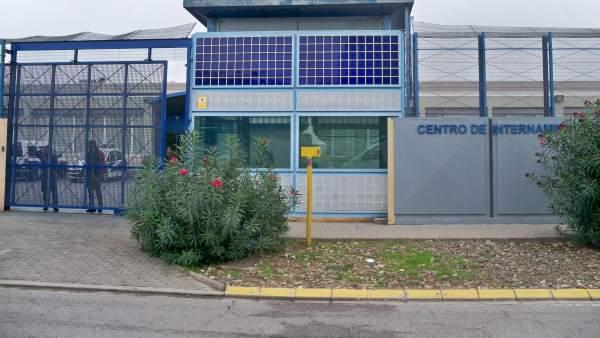 Barcelona dar el documento de vecindad a inmigrantes - Oficinas de atencion a la ciudadania linea madrid ...