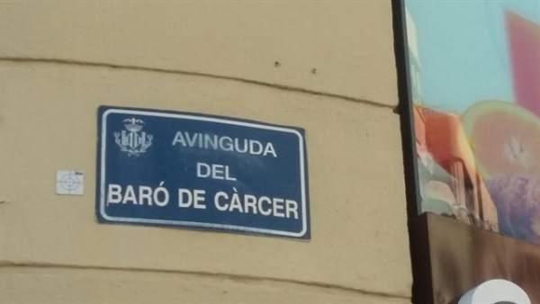 Arranca la instal·lació de les plaques de 51 carrers de València amb nous noms