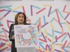 """Ada Colau advierte a Rajoy que si busca """"arrasar"""" Cataluña, los demás dialogarán"""