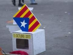 Sondeo: seis de cada 10 catalanes consideran que el referéndum no es legal