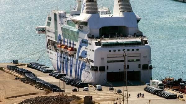 Barco de la Policía Nacional
