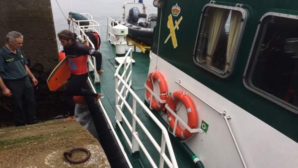 Rescate de seis surfistas en Ferrol