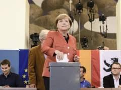 Merkel gana con su peor resultado y los xenófobos irrumpen como tercera fuerza