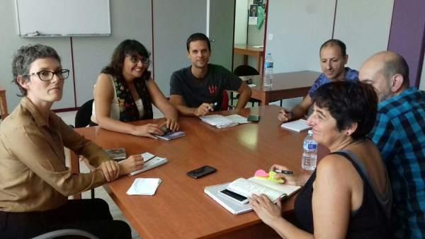 Miembros de Podemos y Equo en la reunión