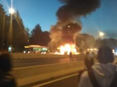 Se incendia un autobús con pasajeros en plena A-6