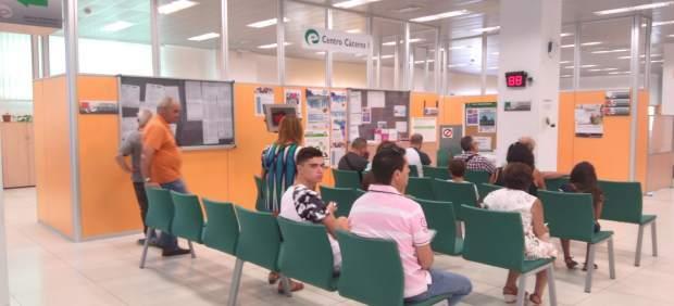 El ayuntamiento de c ceres congrega a los agentes sociales for Oficina de empleo caceres