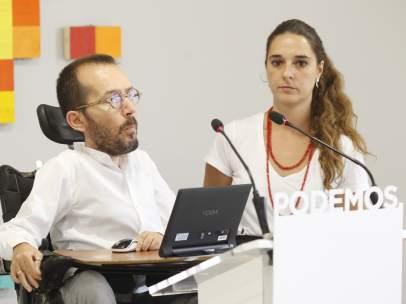 Rueda de prensa de Pablo Echenique y Noelia Vera en la sede de Podemos
