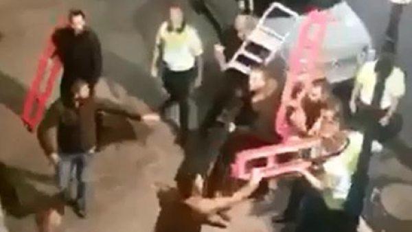 Brutal pelea en la puerta de una discoteca de Bilbao