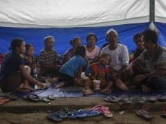 Más de 75.000 evacuados en Bali por el volcán Agung