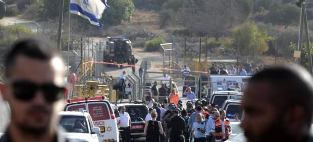 Asalto de un palestino mata a tres israelíes