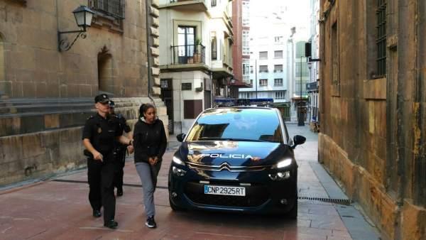 Llegada de Fadila Chardouz al TSJA