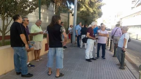 Extrabajadores de Delphi a las puertas de los juzgados