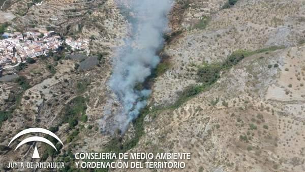 Incendio en el Barranco Cornicabra, antes de ser controlado