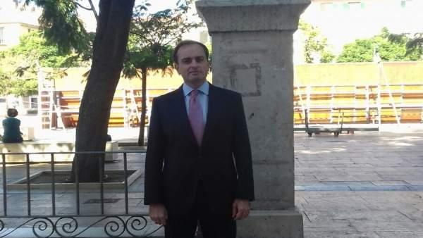 Lucas gonzález economista portavoz representación ce en españa
