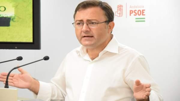 Miguel Ángel Heredia, en rueda de prensa
