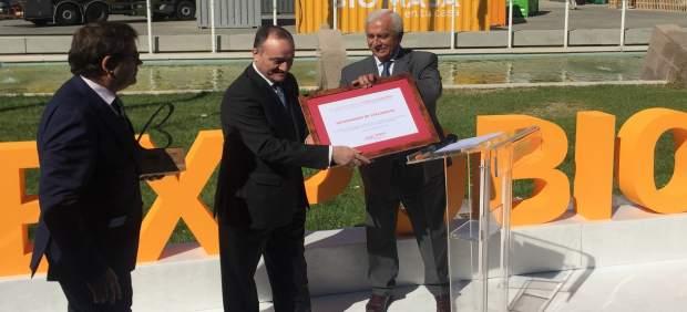 Daniel Miguel San José recibe el premio en Expobiomasa