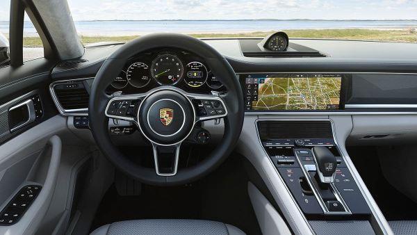 Interior del Porsche Panamera Turbo S-E Hybrid Sport Turismo