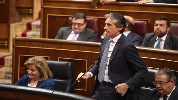 Iñigo de la Serna en la sesión de control al Gobierno en el Congreso