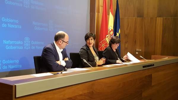 Ayerdi, Solana y Beaumont en la rueda de prensa tras la sesión de Gobierno