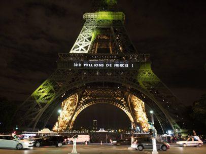 La torre Eiffel recibe a su visitante 300 millones