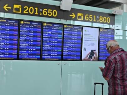Paneles informativos del Aeropuerto de Barcelona