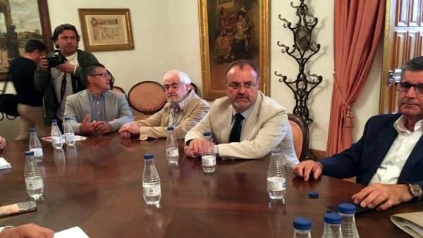 Rey en la reunión del Patronato de la Fundación Rodríguez Fabres en Salamanca