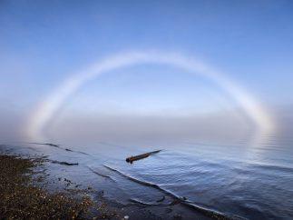 Arco de niebla sobre el Ártico