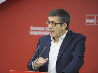El secretario de Política Federal del PSOE, Patxi López, en Ferraz.