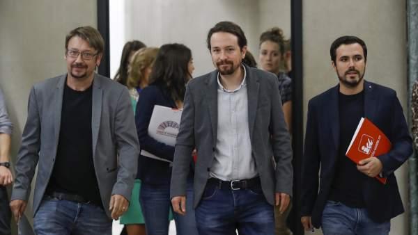 Xavier Domènech (Catalunya en Comú), Pablo Iglesias (Podemos) y Alberto Garzón (IU).