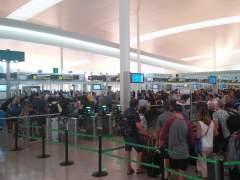Los trabajadores de Iberia anuncian una huelga en el aeropuerto de Barcelona justo antes de Navidad