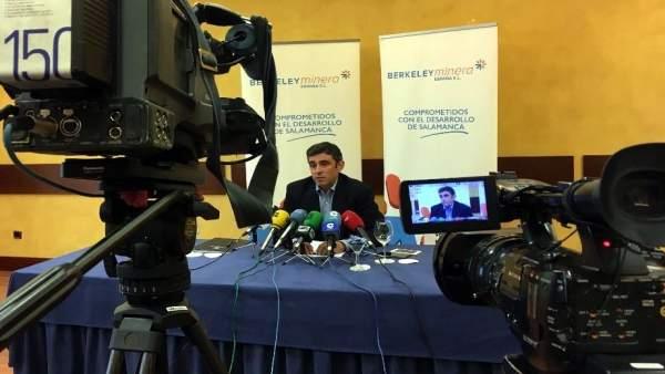Francisco Bellón en el encuentro con los medios de comunicación en Salamanca