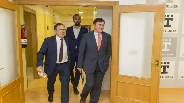 Fernández Mañanes se reúne con Cruz Viadero y López Estrada