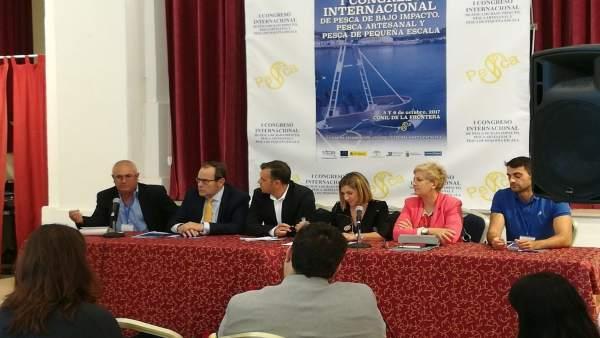 La Junta participa en el Congreso de Pesca celebrado en Conil
