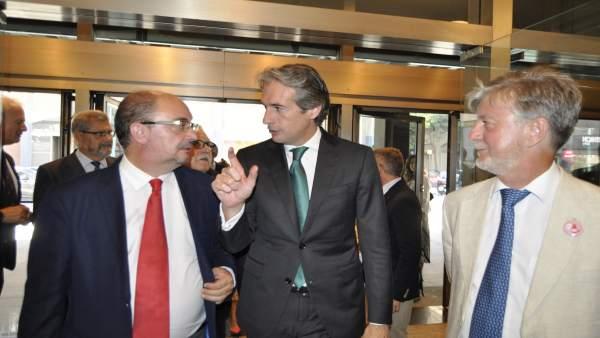 El ministro Íñigo de la Serna ha visitado Zaragoza.