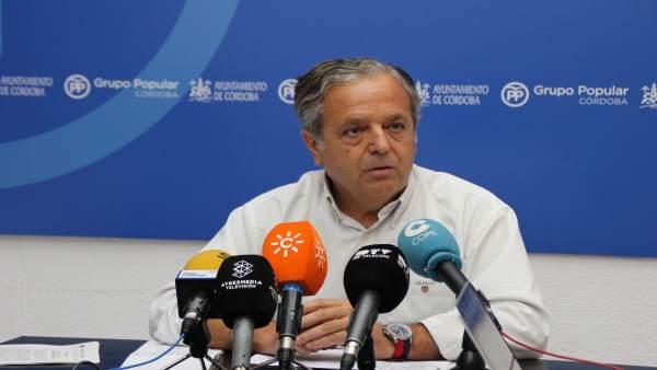 Salvador Fuentes en el Grupo Municipal del PP