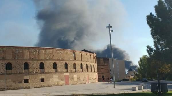 Segovia.- Columna de humo provocada por el incendio